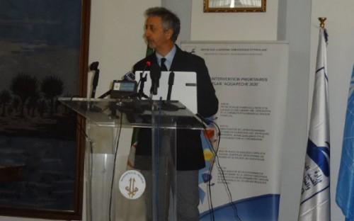 Dr. Joseph Catanzano, de FAO, presentando los resultados del proyecto