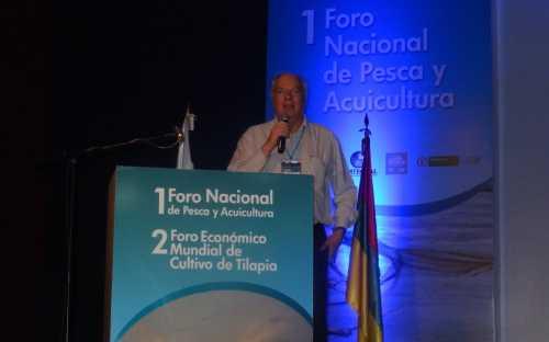 Roland Wiefels, presentando el Consumo de pescado en el Siglo XXI