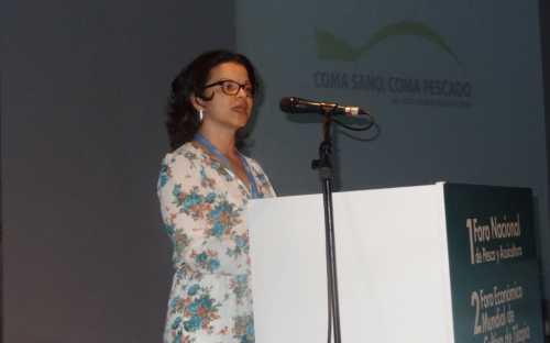 """Lorena Rodriguez Nieto presentando el Programa de Promoción de Consumo """"Coma sano, coma pescado"""""""