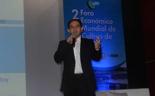 Alejandro Godoy, presentando el mercado internacional de la tilapia