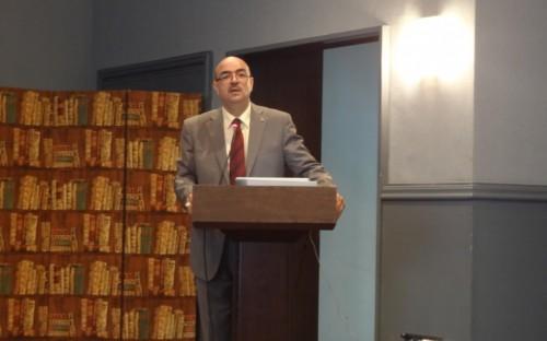 Sr. Brahim Allali, consultor nacional, presentando la problematica sectorial