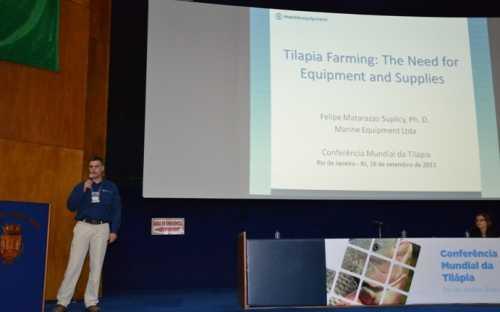 Felipe Sulicy presentando las necesidades de equipos en la acuicultura de la tilapia