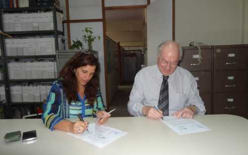 Gabriela Pignataro y Roland Wiefels firman el convenio