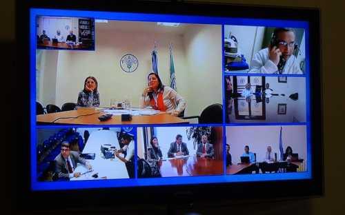 Gabriela Navarro y Elisa Calvo, de Argentina, con la palabra